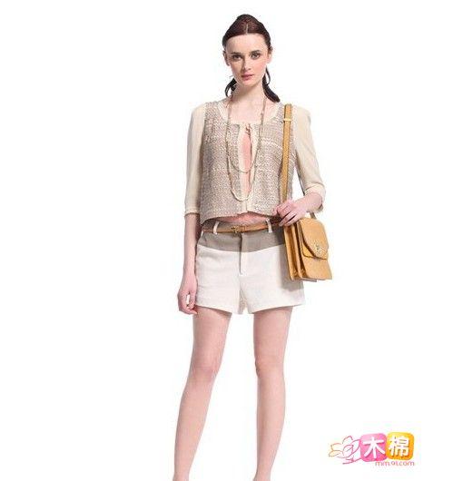 矮个子女生搭配技巧 巧搭短外套显高贵甜美气质
